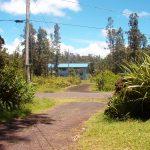 driveway entrance jungle path, hawaiian neighborhood, eco hostel
